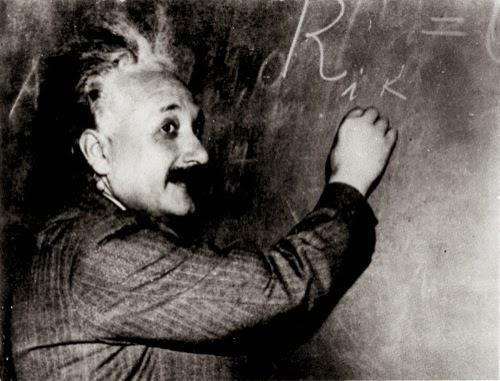 Ante la pizarra, una foto clásica de 1931