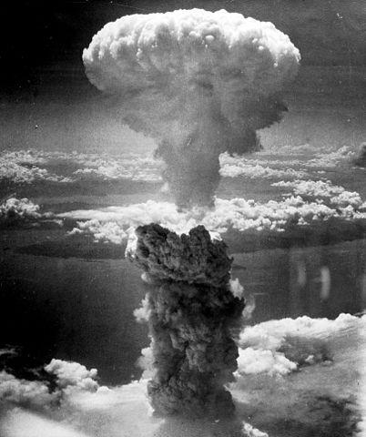 Explosión de Fat Man sobre Nagasaki