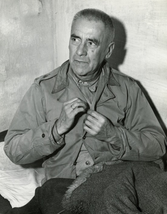 Wilhelm Frick en su celda durante los juicios de Nuremberg