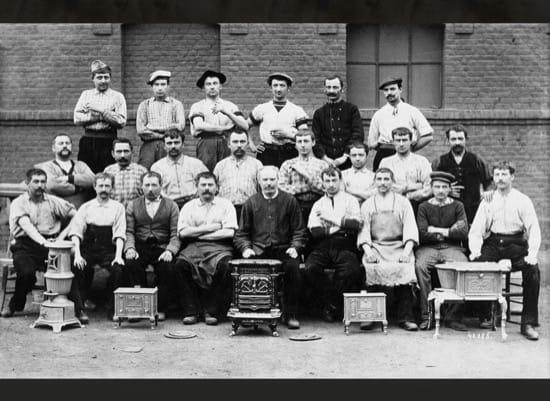 Trabajadores y habitantes del familisterio