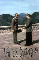 Hitler, una mosca y un soldado