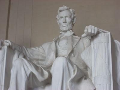La estatua de Lincoln y el lenguaje de sordos
