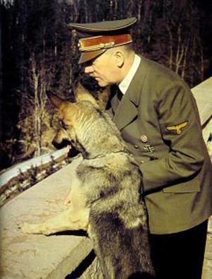Blondi, la perra de Hitler