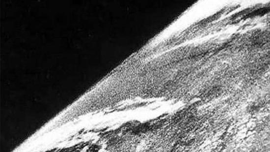 La primera foto tomada desde el espacio y las armas nazis