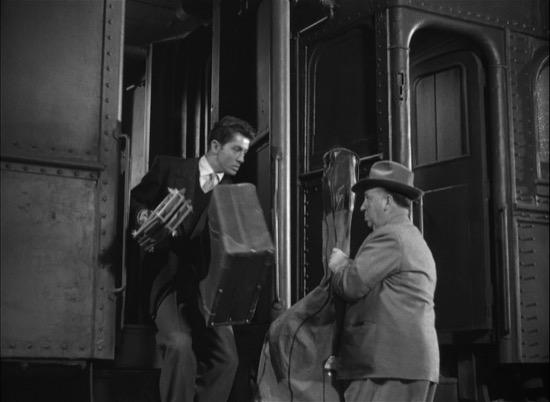 Dos cameos geniales de Hitchcock en sus películas