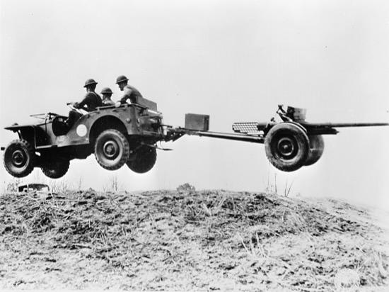 El Jeep en tiempos de guerra ríos, zanjas, baches…