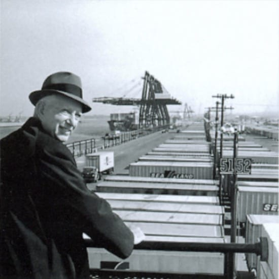 Malcolm McLean el creador del contenedor que revolucionó la economía mundial