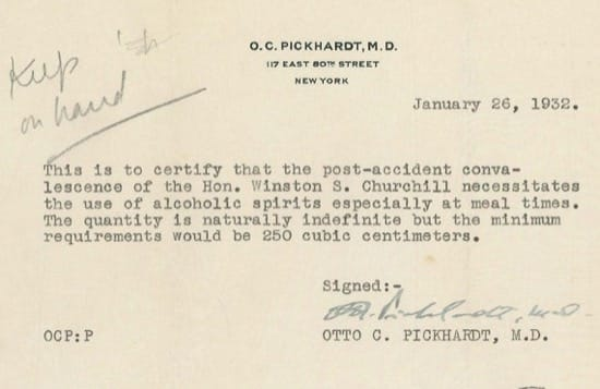 El médico recetó alcohol a Churchill en Estados Unidos a pesar de la ley seca