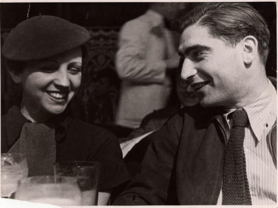 Robert Capa eran dos personas, Enre Ernö y Gerda Taro
