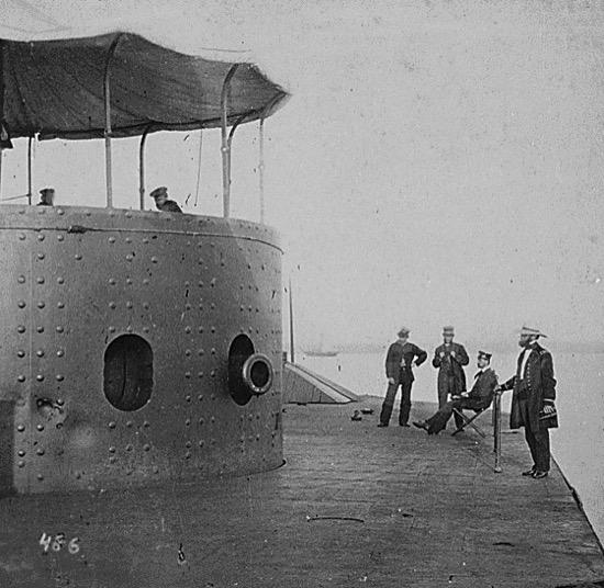 El Monitor después de la batalla de Hampton Roads