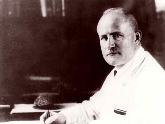 Buscando la telepatía Hans Berger descubrió el electroencefalograma