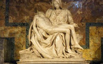 Miguel Ángel esculpió la espalda de Cristo en La Piedad, aunque no se vea