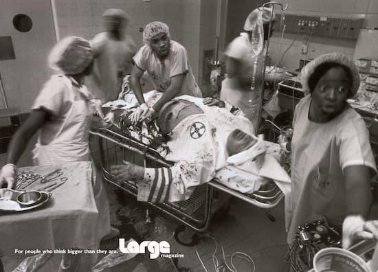 La foto falsa de médicos de color salvando a un hombre del Ku Klux Klan